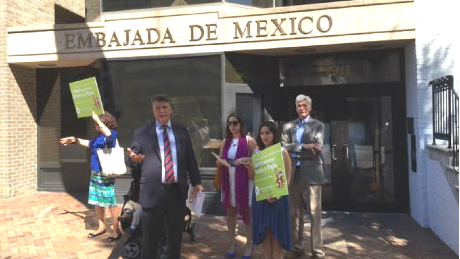 Handful of Extremists Protest Marriage Equality at Mexican Embassy