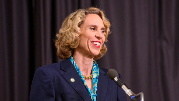 HRC, Equality NC, and MeckPAC Endorse Charlotte Mayor Jennifer Roberts for Re-Election