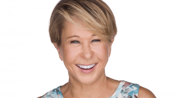 HRC to Honor Yeardley Smith with National Leadership Award at 2019 HRC Los Angeles Dinner